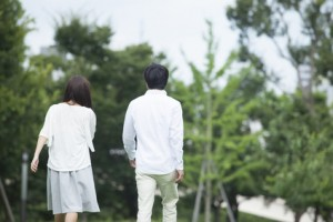 再婚へ…笑顔の不思議な交際